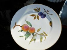 "ROYAL WORCESTER EVESHAM GOLD RIM 10"" DINNER PLATE GREAT CONDITION"